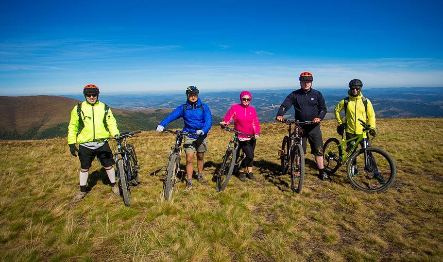 Cyklovýlety s priateľmi a partie športových nadšencov