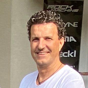 Roland Zórád - Život s bicyklom, Levice